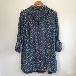EUC NIC+ZOE button up chambray shirt large